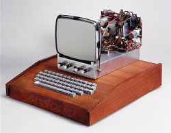 Первый компьютер Apple продали за 400 000 евро